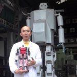 Venden robot gigante en Japón por 100 millones de yenes