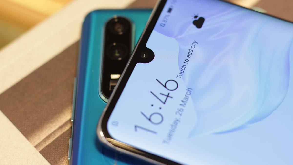 Operadores móviles de Japón posponen la venta del Huawei P30