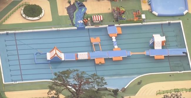 Investigan en Japón la muerte de una niña en una piscina vigilada por 7 socorristas